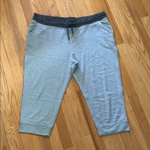 Champion Capri jogger pant in XL.  Grey.
